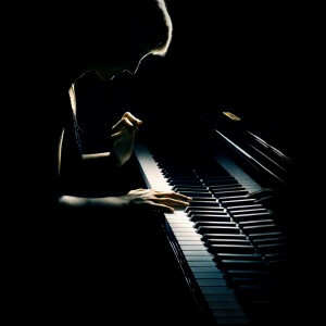 Piano player muscle injury treatment