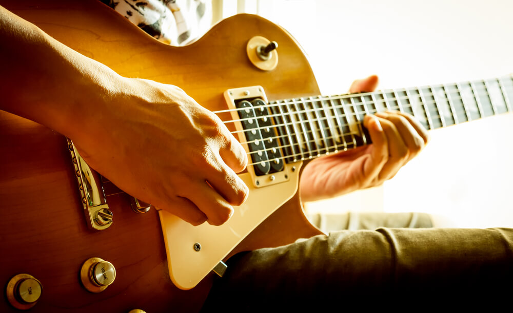 Guitar players - hand injury treatment